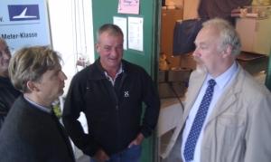 Tilo Holighaus, Jürgen von Podewils und Bürgermeister Tjaden im Gespräch